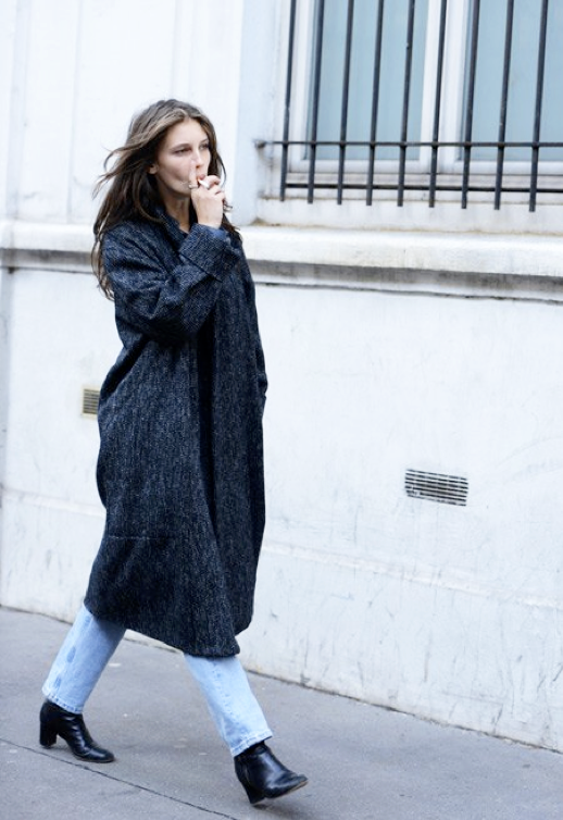 LE FASHION MODEL CRUSH MARINE VACTH PARIS STREET STYLE LONG GRAY GREY COAT VINTAGE DENIM BLACK BOOTS TOMMY TON STYLE COM HAIR MESSY FRENCH STYLE NATURAL BEAUTY FRECKLES CLASSIC FRENCH STYLE PARISIAN EFFORTLESS NO FUSS 6 photo LEFASHIONMODELCRUSHMARINEVACTHLONGGRAYCOATDENIMTOMMYTONSTYLECOM6.png
