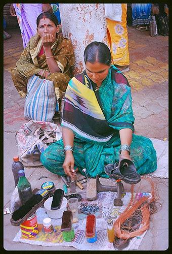 Mujhe Garv Hai Ke Main Kuch Layak Banoo by firoze shakir photographerno1