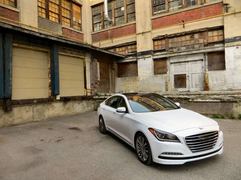 2015 Hyundai Genesis 5.0 Luxury Sedan Review | Autobytel.com