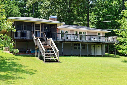 324 Sandhurst Rd, Alexander City, AL 35010 | Lake Martin MLS# 18-1041