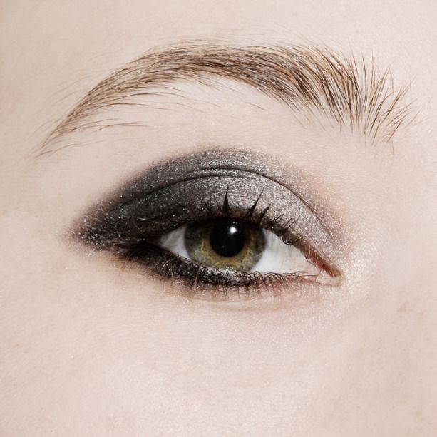 Le Fashion Blog How To Do A Smoky Eye Beauty Tutorial Burberry Beauty Complete Eye Palette in Smokey Grey Eyeshadow Quad