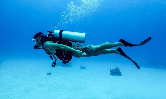 Image: PADI Discover Scuba Diving - Wikipedia, the free encyclopedia
