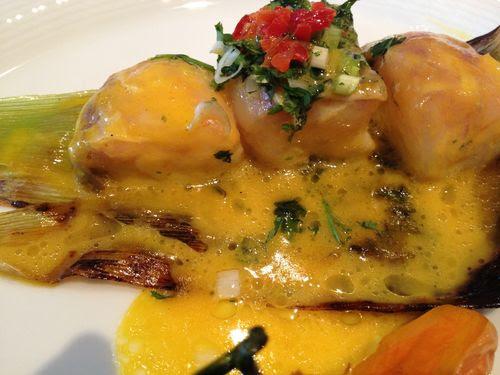 Cebiche caliente de mero del restaurante Fiesta en Lima