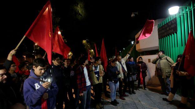 墨西哥共產黨員在古巴使館外舉行悼念晚會(26/11/2016)