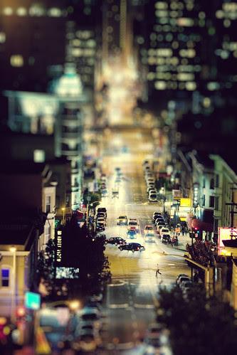 Small City. Big Nightlife. por SHUN [iamtekn]