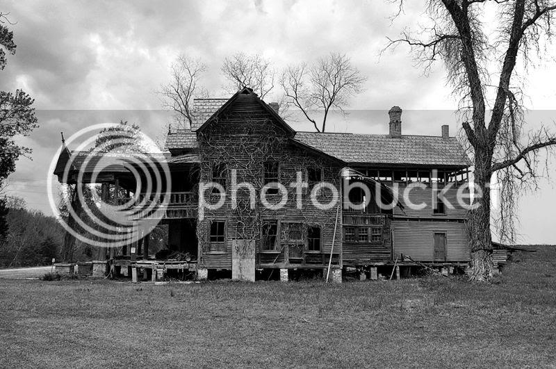 photo house1_zps617ccfc2.jpg