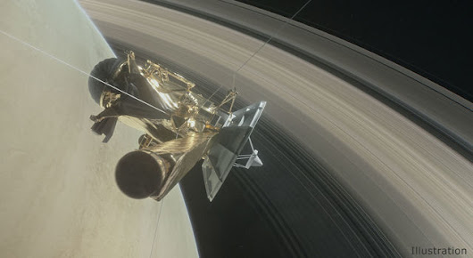 NASA Spacecraft Dives Between Saturn and Its Rings