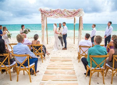How Many Hours Should You Hire A Riviera Maya Wedding