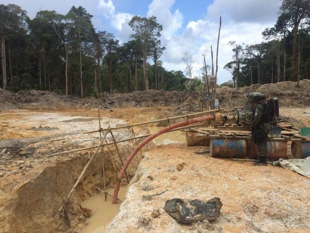Maquinário usado nas atividades foi removido pelo BA (Foto: Dicom/Batalhão Ambiental)