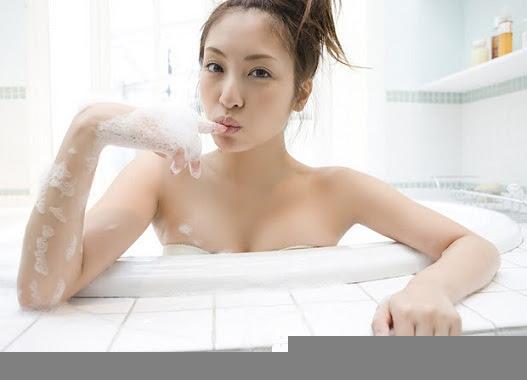 146a2b892ac8c349880ebd1cd72ba9dd Nhìn em tắm mà anh nóng cả người