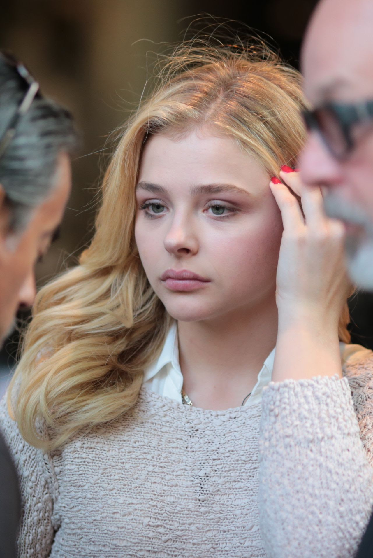 http://celebmafia.com/wp-content/uploads/2015/07/chloe-moretz-set-of-brain-on-fire-in-vancouver-july-2015_3.jpg