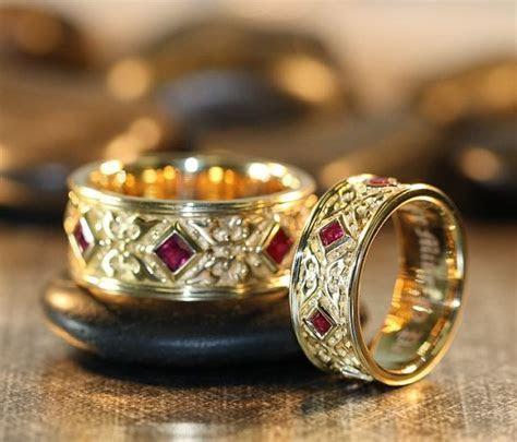 Not expensive Zsolt wedding rings: Renaissance style