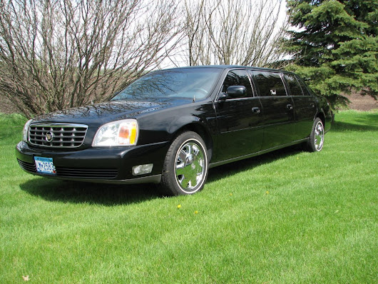 Chek out the entire Fleet of Luxury Limousines available at Pearl Limo