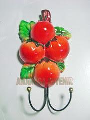 souvenir gypsum ganci tomat besar