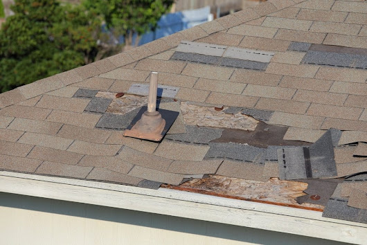 Symptoms of an Unhealthy Roof | Calgary Roofing Company | Claw Roofing