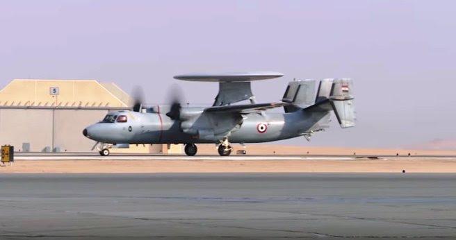 ΕΚΤΑΚΤΟ – Boμβαρδίζει ανηλεώς σε ολόκληρη την Λιβύη η Aίγυπτος ανοίγοντας δρόμο για τον εκλεκτό της Μόσχας – Στον αέρα F-16 Block 52 και Rafale με MICA EM – MICA IR μαζί με E-2C Hawkeye 2000 AEW - Εικόνα7