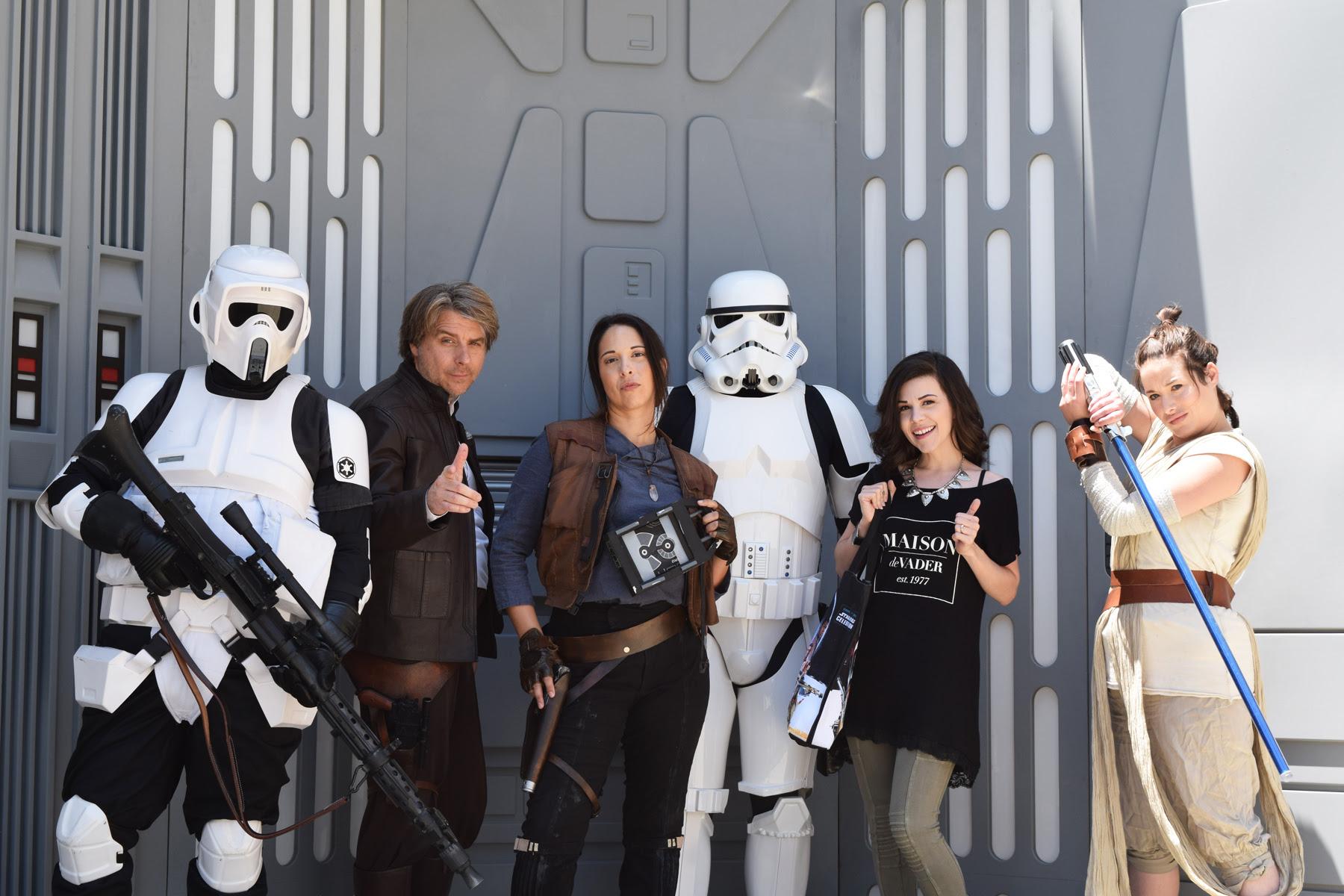 Star Wars Cosplay & Fashion At Star Wars Reads | Anakin And His Angel