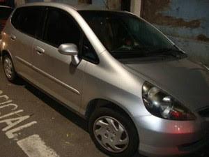 Vítima ficou em poder dos criminosos por cerca de 30 minutos em seu carro em São José (Foto: Divulgação/ PM)