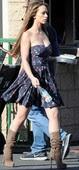 Jennifer Love Hewitt Minivestido Con Botas