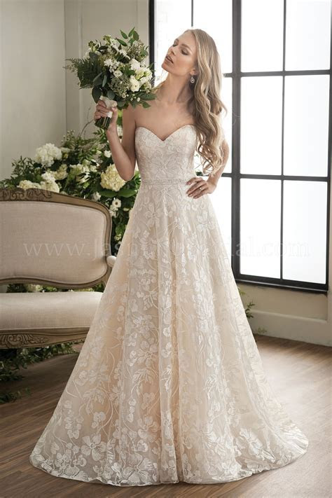 T202010 Sweetheart Strapless Embroidered Lace Ball Gown