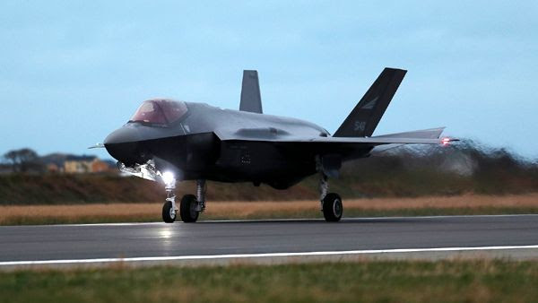 One of the first three Norwegian F-35 fighter jets to be stationed at the country's Ørland Air Base lands on November 3, 2017.