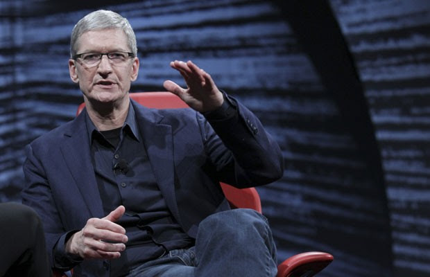 Tim Cook, presidente-executivo da Apple, participou de conferência da All Things Digital (Foto: Asa Mathat/All Things Digital/Reuters)
