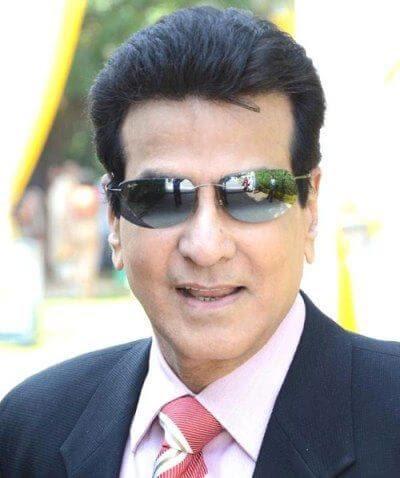Jeetendra aka Ravi Kapoor