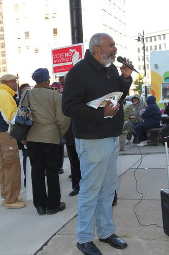 Abayomi Azikiwe, editor of the Pan-African News Wire, covering the demonstrations surrounding the forced bankruptcy of Detroit. (Photo: Valerie Jean) by Pan-African News Wire File Photos