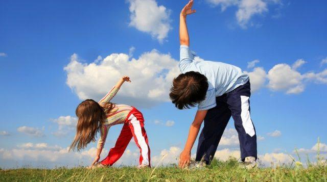 Αποτέλεσμα εικόνας για Τελικά πρέπει να βλέπουν οι γονείς την προπόνηση των παιδιών τους;