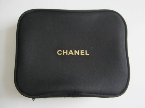 CHANEL Black Cosmetic Bag / Makeup Pouch / MINI Travel Case