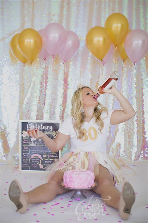 Courtney   30th Birthday Cake Smash   Tara Swain