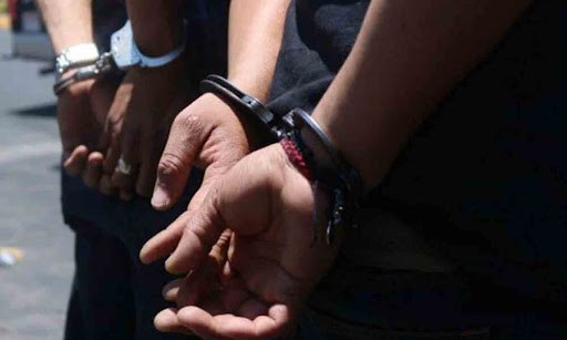 Ingresaron a una vivienda y fueron detenidos tras una persecución