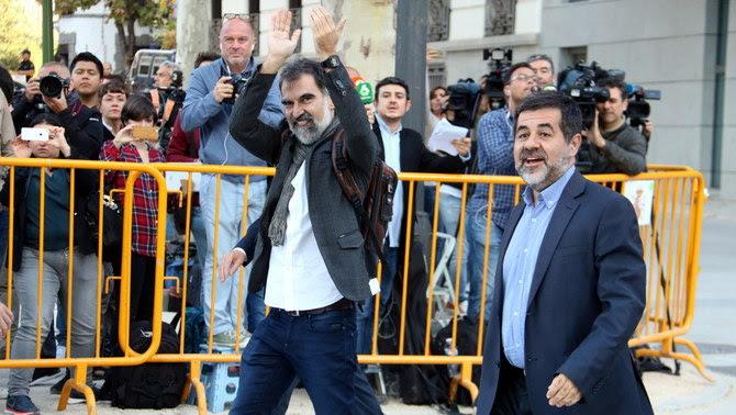 Cuixart i Sànchez a la seva arribada a l'Audiència Nacional el 16 d'octubre de l'any passat (ACN)