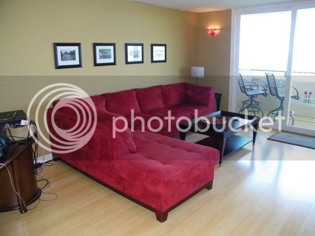 Red Sofa? Pics Please! - Home Decorating & Design Forum - GardenWeb