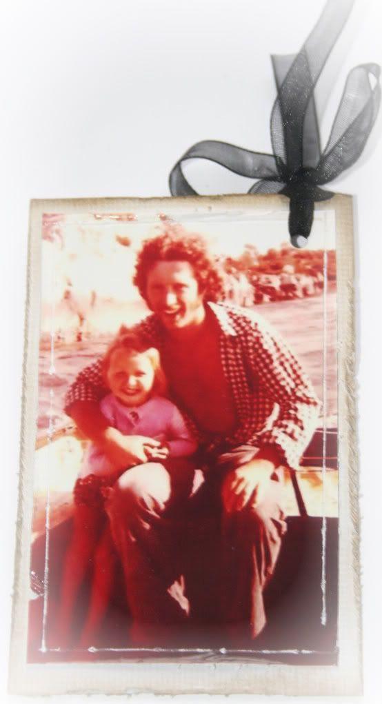 Baksiden av tag'n. Bildet er tatt av min far og meg på båttur midt på 70-tallet i skjærgården ved Florø.