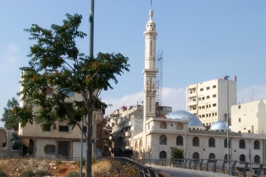 Trabajos de rehabilitación de la mezquita Atalle en el barrio homsiense de Bab Hood (Foto: Pablo Sapag M.)