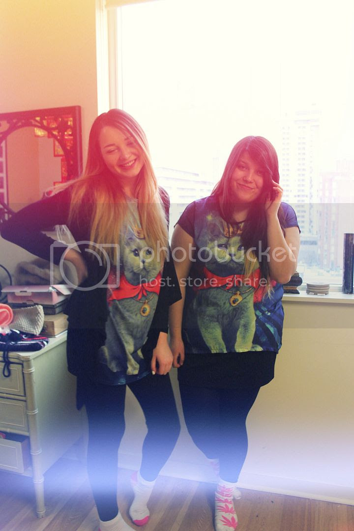 Jessica Ip, Jessica Masil, Twinsies, Galaxy Cat Shirt, Plus Size Blogger, Fashion, Plus Size Fashion, HUF, Twinning, Twins, Cat, Cats