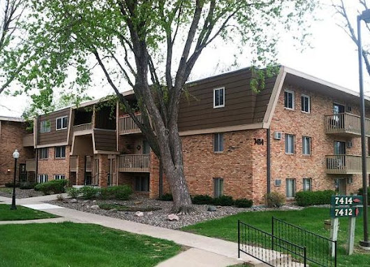 7414 W 22nd St #207 Offered by St Louis Park Realtor Sheryl Petrashek - Selling South of the River -