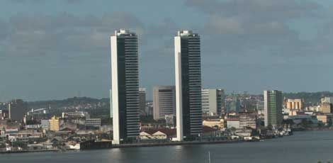 Torres Gêmeas, no Centro do Recife / Foto: Ricardo B. Labastier/JC Imagem