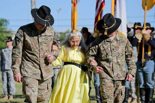 Funeral service for Fort Hood's Hug Lady set for Sunday