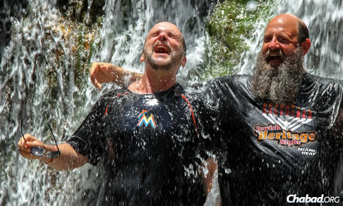 Mayanot participant Mitch Green and the rabbi cool off at Ein Gedi in the south of Israel.