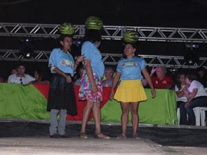 Três mulheres se inscreveram para disputar prêmio de R$ 500 (Foto: Patrícia Andrade/G1)