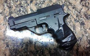 replica-pistola-hecho-cria-5ta