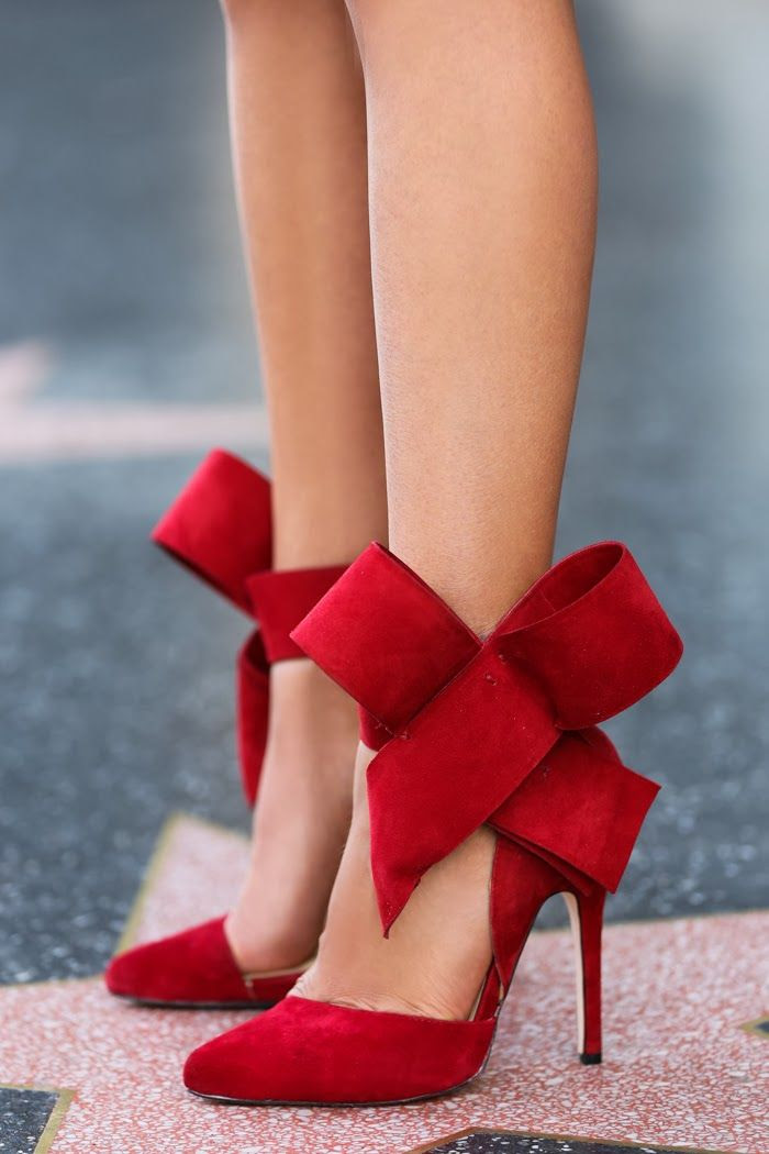 Red Bow Pumps - wow!