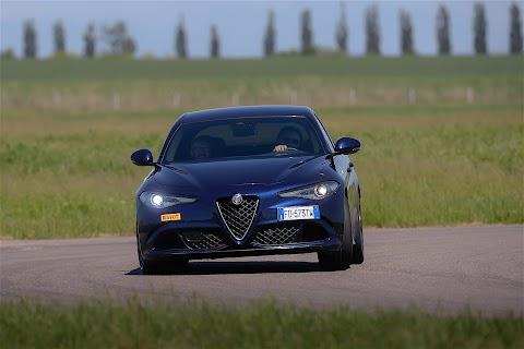 Alfa Romeo Giulia V8