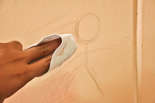 How to Clean Crayon off Painted Walls: 3 Steps (with Pictures)