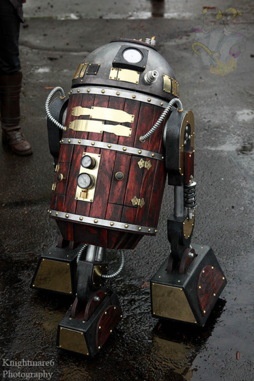 knightmare6:  A steampunk R2-D2, out in the parking lot of the Radisson Hotel on Sunday (May 19th, 2013). It rolled around the parking lot, complete with whirls, clicks, and other noises. http://www.facebook.com/knightmare6photo