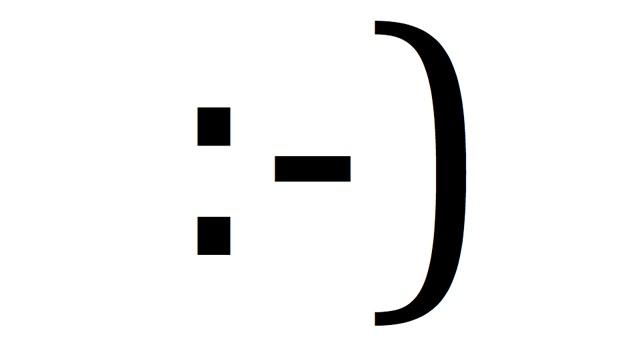 A tu cerebro el smiley le parece una sonrisa real :-)