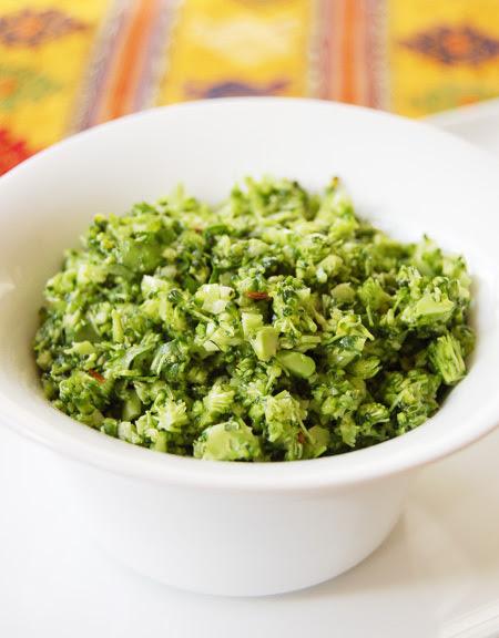 Rawbroccolisalad