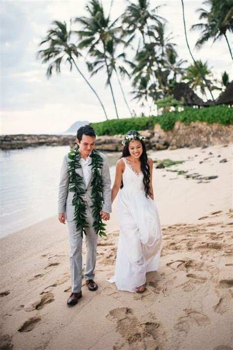 Blogger Two Red Bowls' Laid Back Outdoor Hawaiian Wedding